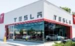 Калифорнийские дилеры возобновляют вызовы рекламной практике Tesla