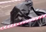 Мужчину зарезали у магазина на юго-западе Москвы