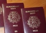 Три человека отказались от эстонских паспортов ради российского гражданства